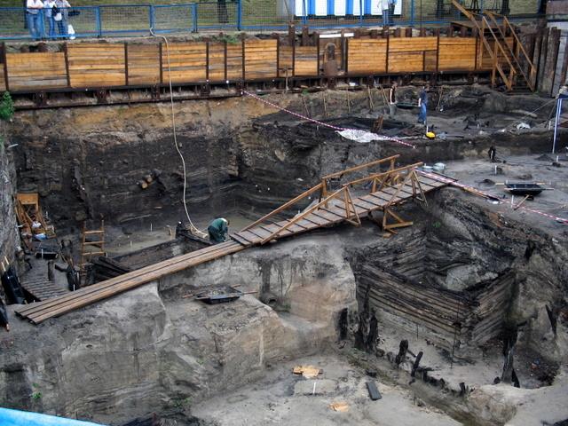 Занесенные здания и подвалы. Раскопки возле Московского Кремля_5