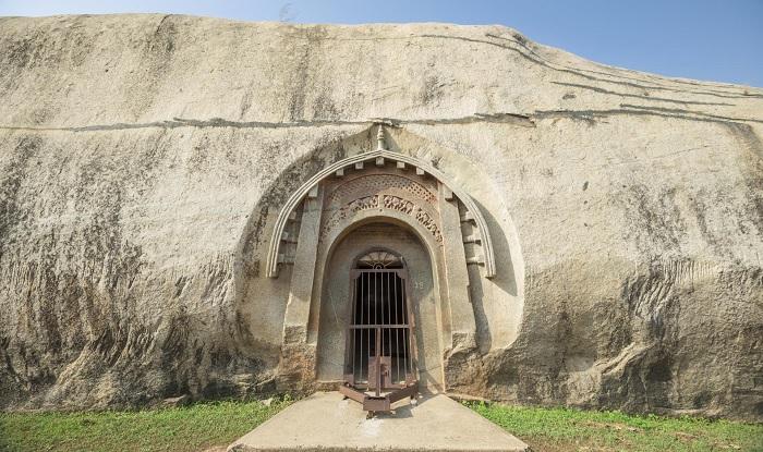 Пещеры Барабар. Бомбоубежища или акустические инструменты?