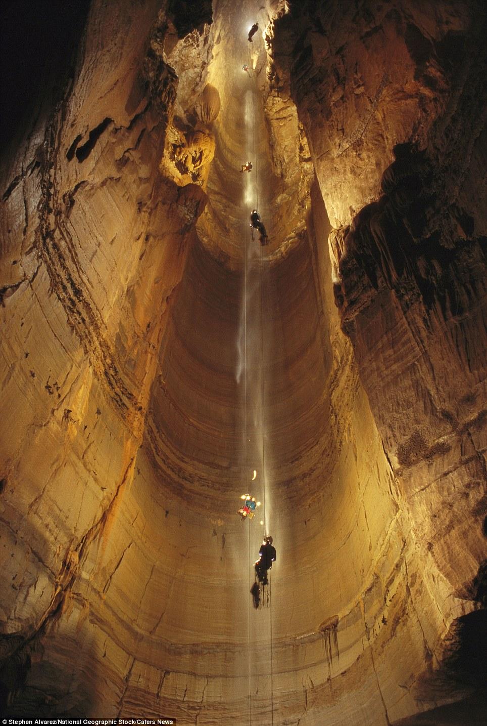 Земля рудник. Пещеры